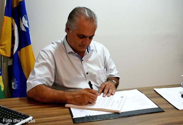 Gil Helou sanciona Plano Diretor de Turismo de Águas de Lindoia